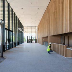 Alquiler-oficinas-Madrid-Nuevo-Norte-Polaris-nueva-construccion-lobby-Cushman-Onix-750x397