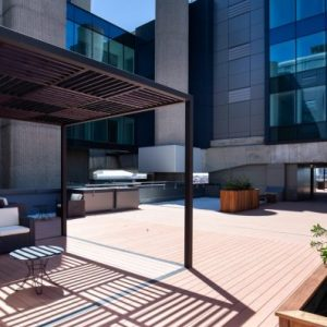 Edificio-Los-Cubos-alquiler-de-oficinas-Madrid-terrazas-Cushman-8-Large-750x397 (1)