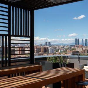 Edificio-Los-Cubos-alquiler-de-oficinas-Madrid-terrazas-Cushman-9-Large-750x397