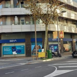 Local_comercial_Santa_Eulalia_147_Hospitalet-1-750x397
