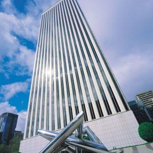 Oficinas-fachada4-Torre_Picasso-cushman-Madrid-1