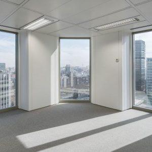Oficinas-vistas-Torre_Picasso-cushman-Madrid-e1532937702467