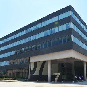 oficina-fachada7-wtcalamedapark-cushman-barcelona