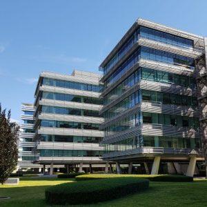 oficinas-campodelasnaciones-fachada5-cushman-madrid