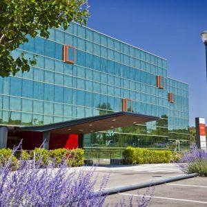 oficinas-fachada-vallsolanagardenbusinesspark-cushman-barcelo