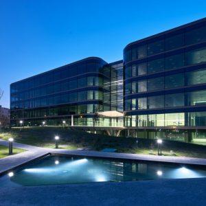 oficinas-fachada2-nanclaresdeoca5-cushwake-madrid-1024x689