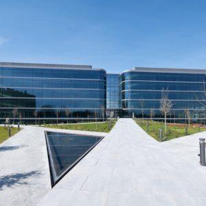 oficinas-fachada6-nanclaresdeoca5-cushwake-madrid-1024x668