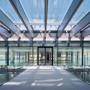 oficinas-hall1-nanclaresdeoca5-cushwake-madrid-1024x885