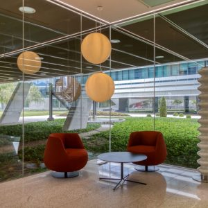 oficinas-hall1-viadelospoblados3ONIC5&6-cushwake-madrid
