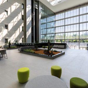 oficinas-hall4-ribera-loria-cushman-madrid