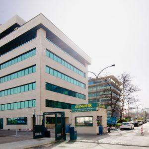 Oficinas-fachada2-Av del Sur del Aeropuerto de Barajas-cushman-Madrid