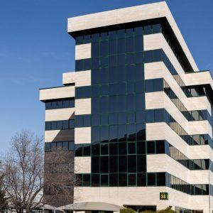 Oficinas-fachada3-Av del Sur del Aeropuerto de Barajas-cushman-Madrid