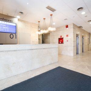 Oficinas-hall-Av del Sur del Aeropuerto de Barajas-cushman-Madrid