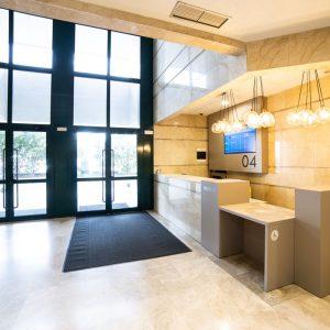 Oficinas-hall3-Av del Sur del Aeropuerto de Barajas-cushman-Madrid