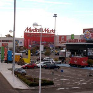 locales-parque-comercial-capuchinos01-1024x768