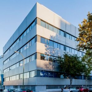 Oficinas-fachada-Albasanz-12-cushman-Madrid-e1532940848786