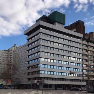 Oficinas-fachada_02-Orense-70-cushman-Madrid