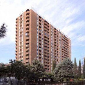 Oficinas_fachada_02_Avenida-de-Brasil-17_cushman_Madrid