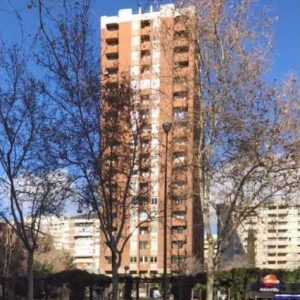 Oficinas_fachada_03_Avenida-de-Brasil-17_cushman_Madrid