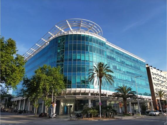 Alquiler de oficinas en Edificio BLUE BUILDING   Avinguda del Litoral 14