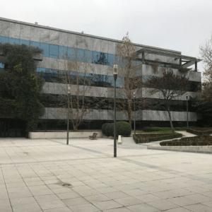 oficinas-fachada-lateral-Av.de-Europa-cushman-Madrid-e1532937053371