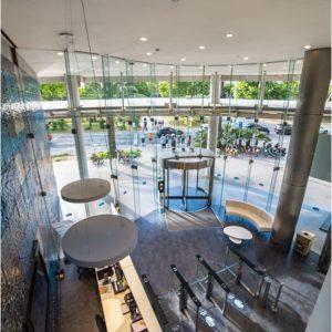 oficinas-hall2-bluebuilding-cushman-barcelona (1)-min