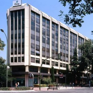 Oficinas_fachada02_Luchana-23_cushman_Madrid-e1532944425777