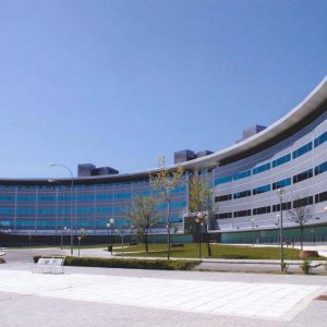 oficinas-fachada-plazadelaencina-cushman-madrid