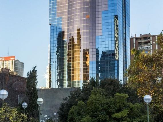 Alquiler de oficinas en Edificio ALFREDO MAHOU | Plaza Manuel Gómez – Moreno 2