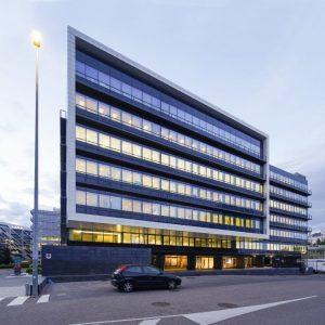 oficinas-fachada3-campodelasnaciones-cristalia7y8-cushman-madrid