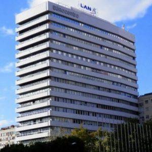oficinas-fachada7-poetajoanmaragall1-cushman-madrid-750x397-1