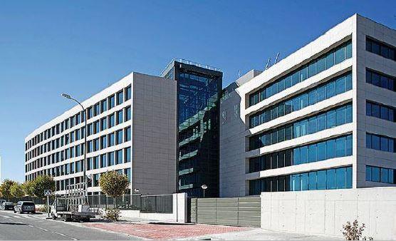 Alquiler de oficinas en Edificio LEVITT   Calle de María de Portugal 1-3-5